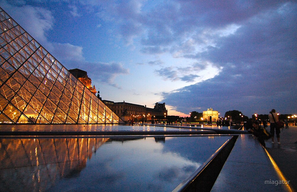 The Louvre at dusk :: Paris by miagator