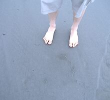 Feet on Beach by bonejakon