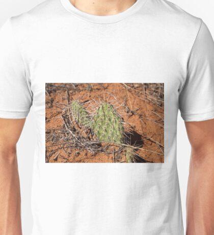 Green cactus in the Arizona desert, USA Unisex T-Shirt