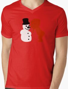 girl kisses snowman T-Shirt