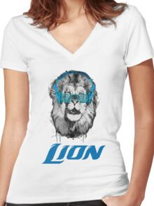 cool lion Women's Fitted V-Neck T-Shirt