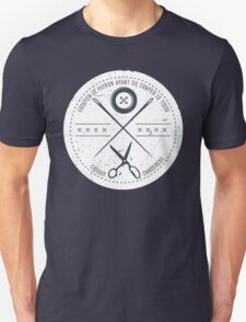 Funny sewing seamstress French danger scissors Unisex T-Shirt