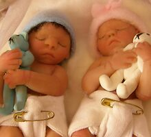 My twin sculpted Babies by heavenscent