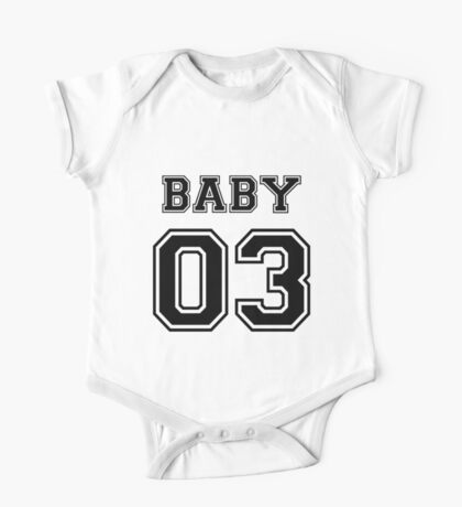Numbered FAMILY : BABY 03 BLACK One Piece - Short Sleeve