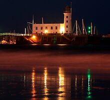 Scarborough Lighthouse by EarlCVans