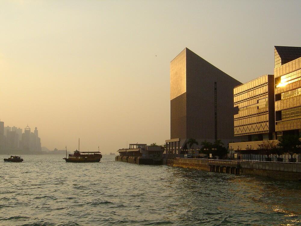 Haze in Hongkong by GordonM