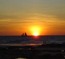 Sunset on Cable Beach by MelindaB