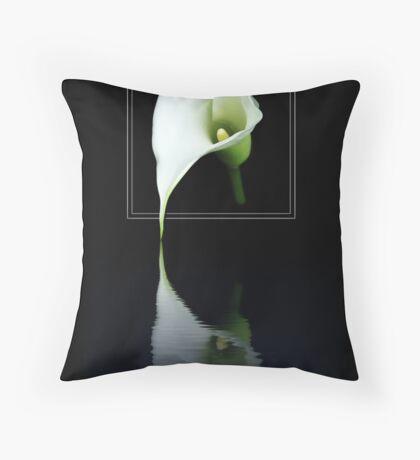 SHE MELTS Throw Pillow