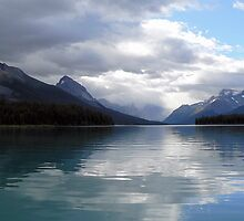 Lake Maligne July 2007 by Rebanne