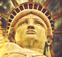 Statue of Liberty by solnoirstudios