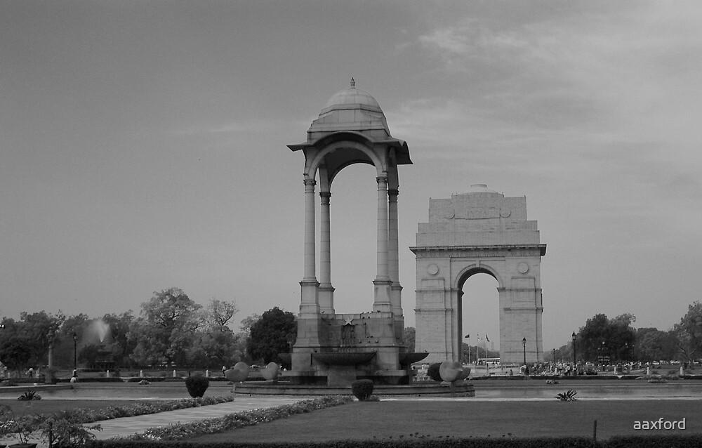 India Gate, Delhi by aaxford