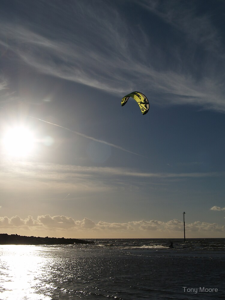 Kite 6 by Tony Moore