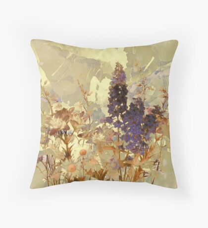 floral sur beige/floral on beige Throw Pillow