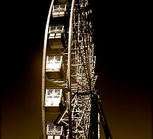 Ferris Wheel in Gold by diongillard