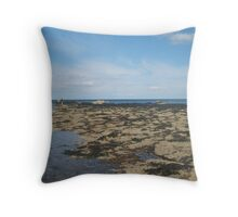 Rockpools at the beach Throw Pillow
