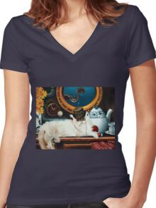 Tea Time Q Gz Women's Fitted V-Neck T-Shirt
