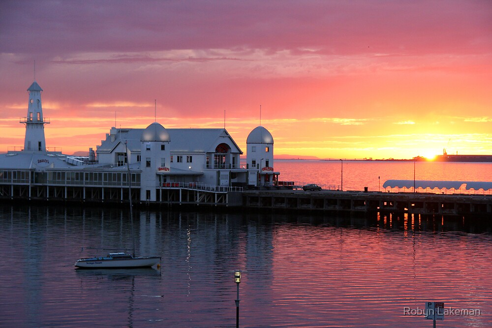 Geelong pier at sunrise by Robyn Lakeman