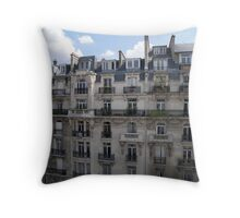 L'autre Côté de la Rue Throw Pillow