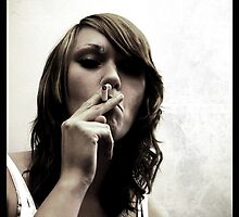 Smoking Grrl by hannahelizabeth
