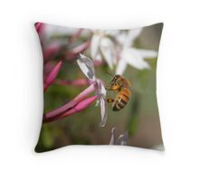 Smelly Bee Throw Pillow