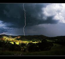 close strike - Qld   (take a closer look) by Tony Middleton