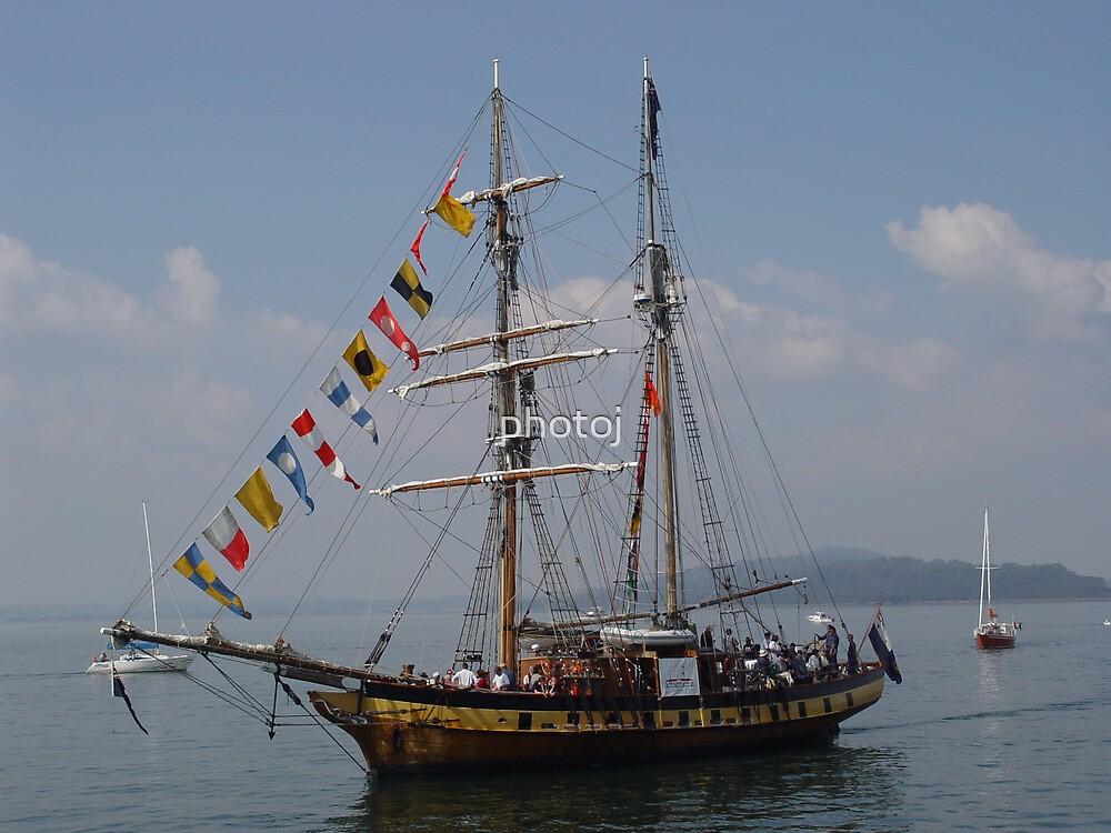Sail Boat by photoj