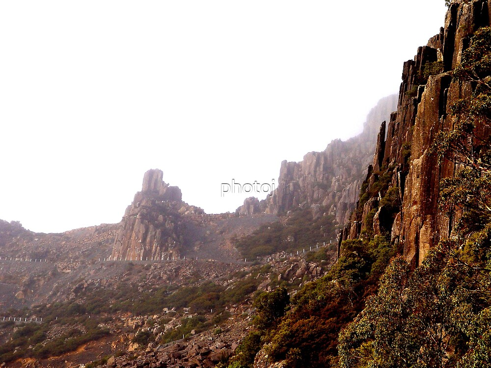 Australia - Tasmania, rugged mountainside by photoj