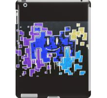 Negative smiley space invaders  iPad Case/Skin