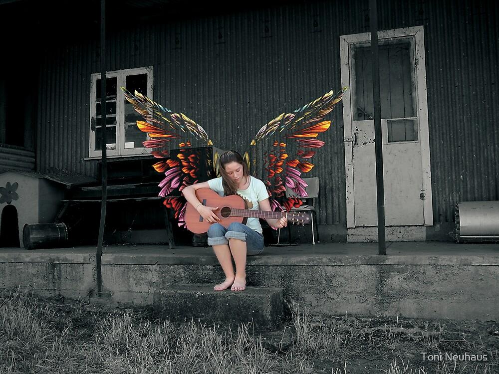 Caito Maeve by Toni Neuhaus