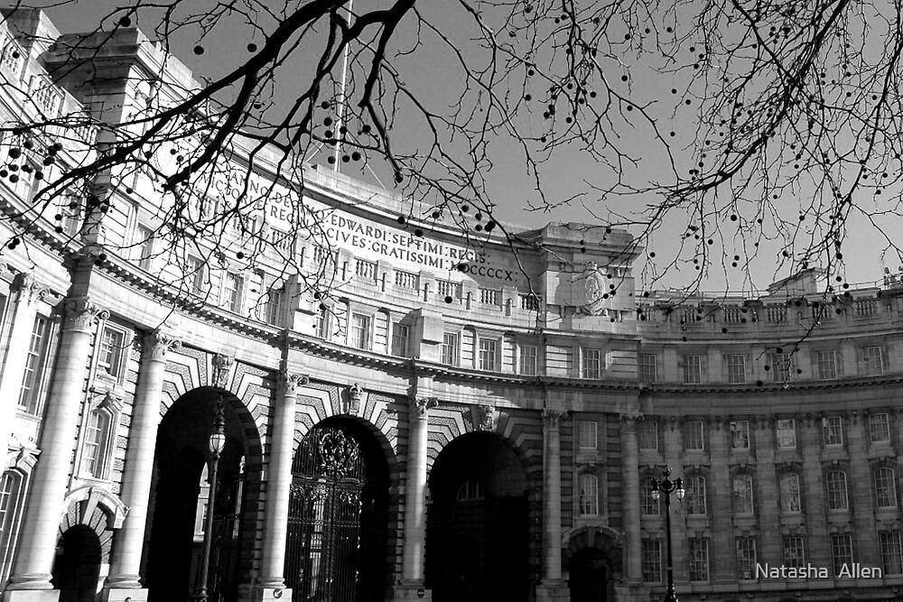 Admiralty Arch by Natasha  Allen