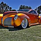 Lincoln Zephyr hot rod in gold by Ferenghi