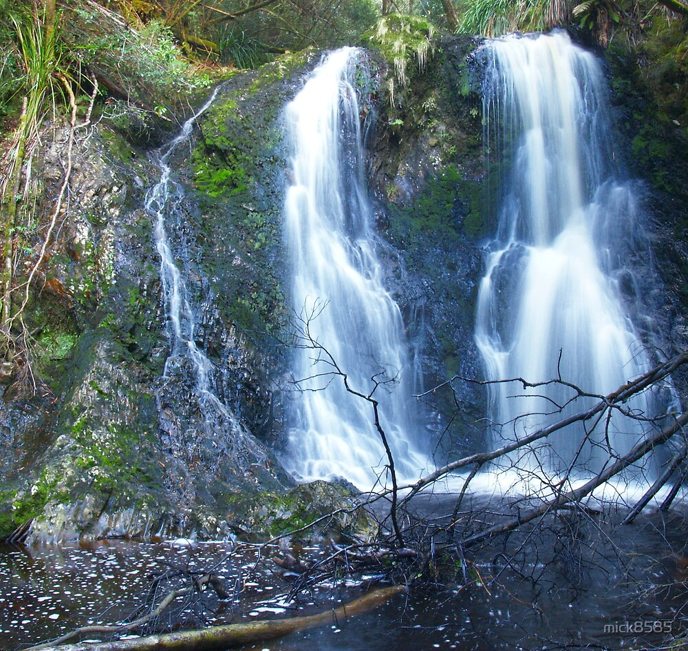 Hogarth Falls - Strachan by mick8585