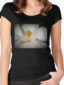 Magnolia macro Women's Fitted Scoop T-Shirt