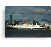 The QE2 VISITS LIVERPOOL FOR THE LAST TIME-1 Canvas Print