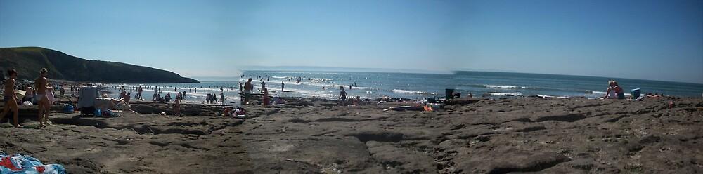 Seaside scene by louise158