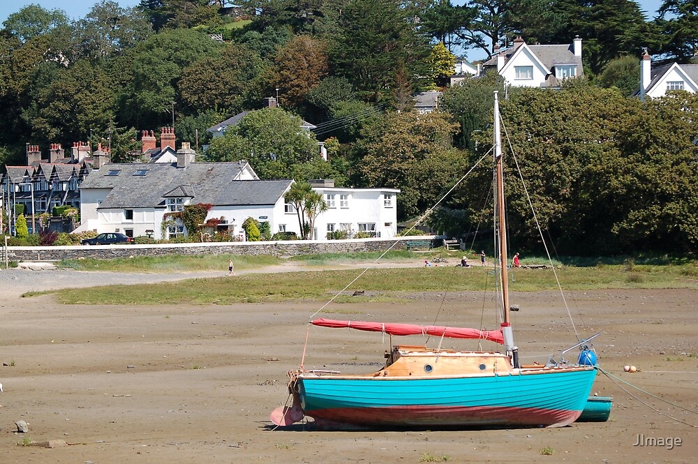Beached Boat at Borth-y-Gest by JImage