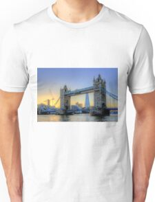 The Sun Goes Down - Tower Bridge - HDR Unisex T-Shirt