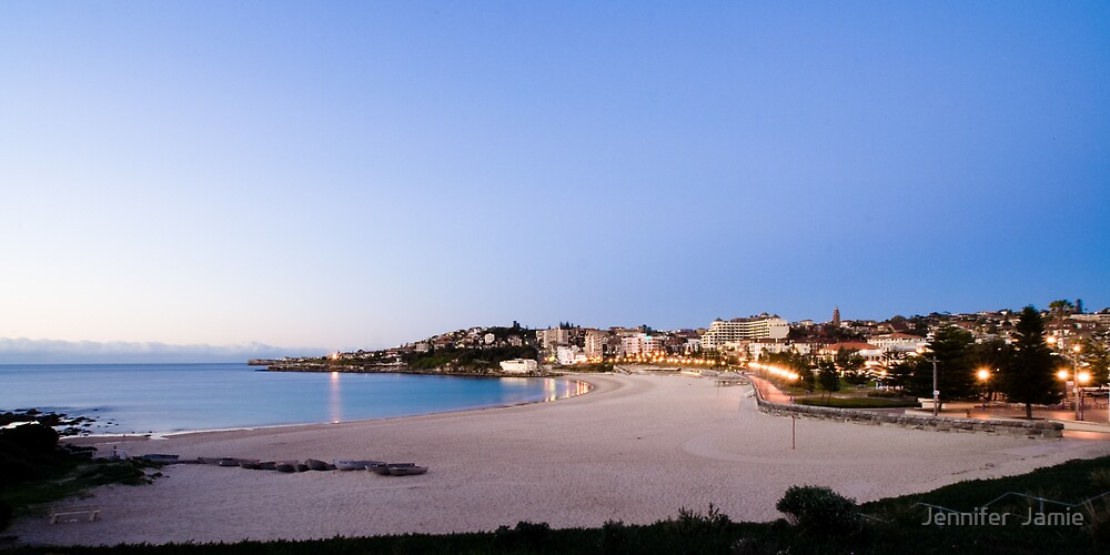 Coogee Beach by Jennifer  Jamie