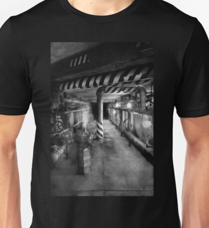 Steampunk - The steam tunnel Unisex T-Shirt