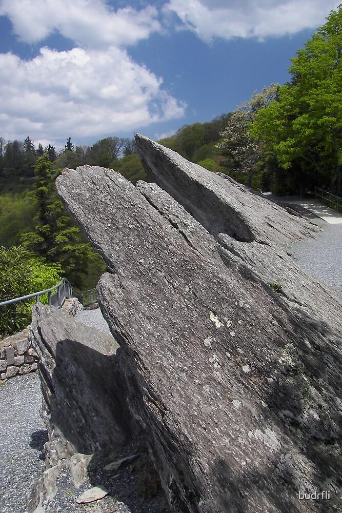 blowing rock by budrfli