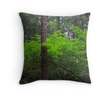 brilliant green emerald glow Throw Pillow