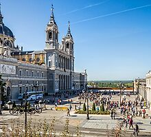 Almudena Cathedral in Madrid by JJFarquitectos