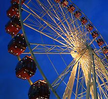 Ferris wheel by Sara Lamond
