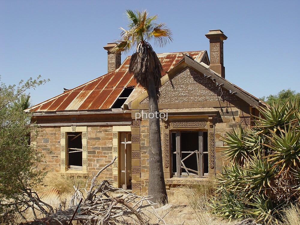 Australia's Yesturday's Home  by photoj