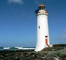 Port Fairy Lighthouse by nomiddlename
