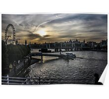 Thames at sunset Poster