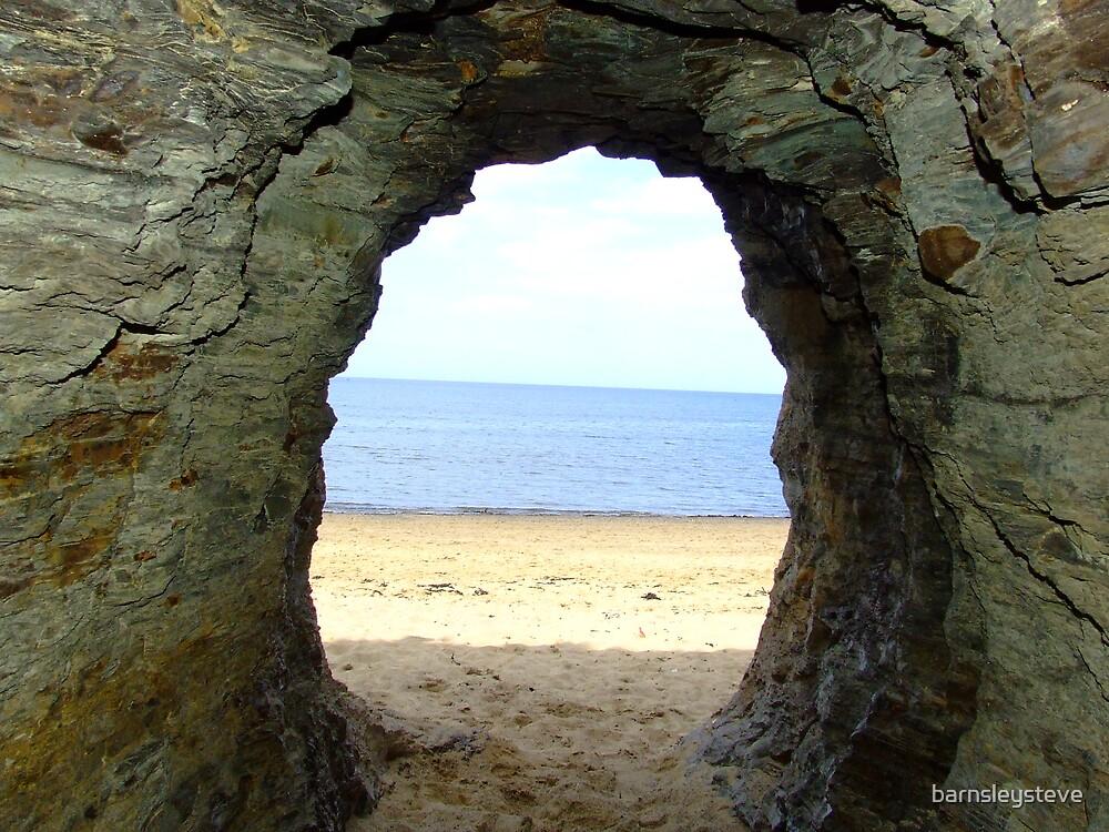 Cave at Runsiwck Bay by barnsleysteve