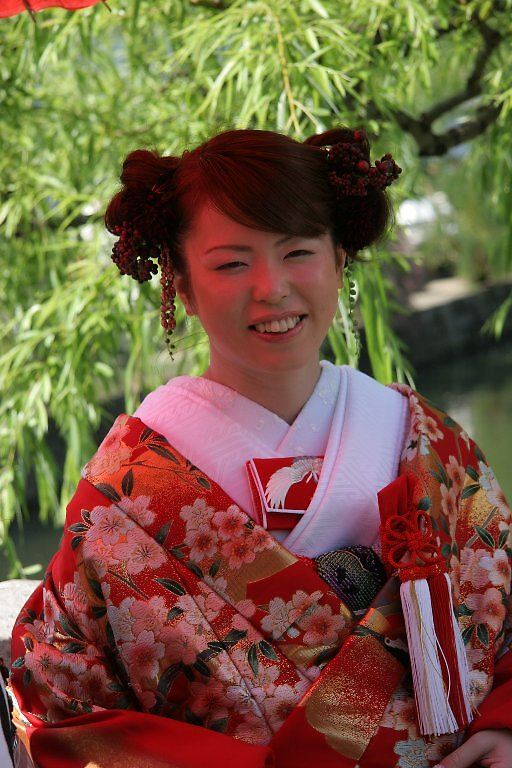 Blushing Bride - Traditional Japanese Wedding - Kurashiki  by Trishy