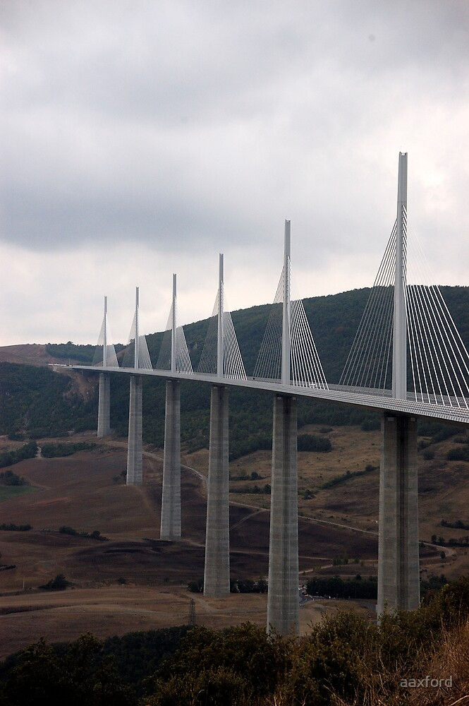 Millau Viaduct, France - 29th Sept 2007 by aaxford