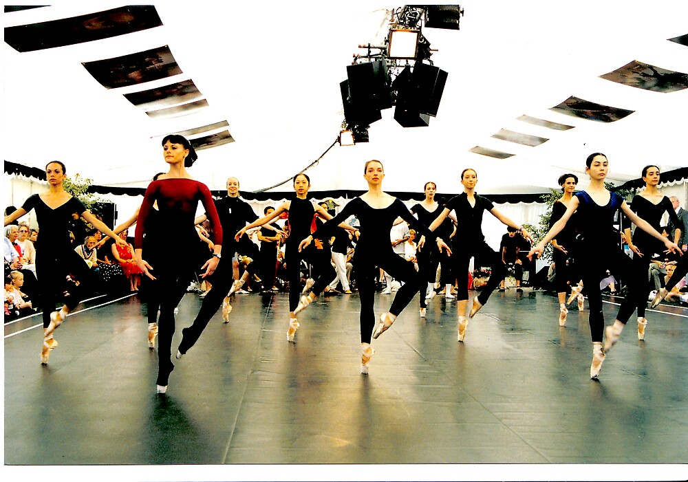 Corps de Ballet in Rehearsal by kitlew